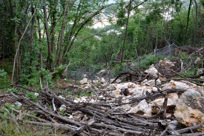 You are currently viewing M5S Mori: pericolo di crolli di roccia e costruzione vallo tomo.